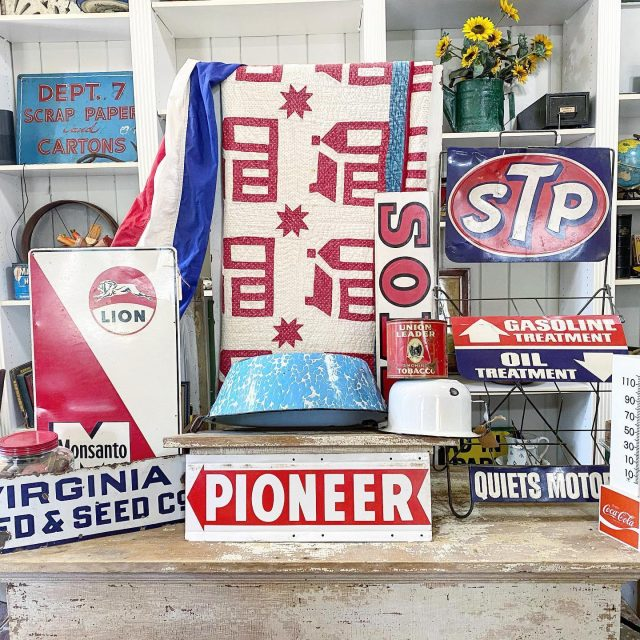 Whose looking for Red White & Blue vintage decor for summer? It's all available in our shop & we ship. Message me or check out our Vintage Etsy Shop ~ 🇺🇸 🇺🇸 🇺🇸 #visionsofvintage_  #myvintageviews  #antiquelife  #summerdecor  #patrioticdecor  #firehouseantiques #countrylivingmagazine  #mantiques  #vintagesigns #redwhiteandblue  #vintageredwhiteblue  #vintage  #vintageamerican  #followmetojunk  #pickerslife  #indianaantiques  #indianaantiqueshops  #visitnewharmony  #visitnewharmonyindiana