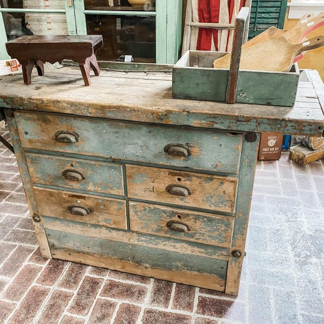 Bought Tuesday, brought into the shop this morning & sold by 2pm 🥳 Grateful for all the people who choose to Visit New Harmony!  🍂 🍂 🍂 #firehouseantiques  #chippypaint  #antiquefurniture  #farmhousedecorinspo  #myafh  #workbench  #antiqueshop  #pickerslife  #blameitonmyvintageheart  #visitnewharmony  #vintagedecortour  #vintagefinds  #etsysellersofinstagram  #etsyvintageshop  #shoplocal  #antiqueshopping  #farmhousekitchen  #farmfinds  #lootshoot  #vintagedecortourwk10m  #mantiques  #rusticantiques  #paintedfurniture